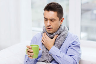 Как выглядит горло при ангине (фото миндалин)
