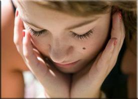 Бородавки на руках: причины появления и лечение