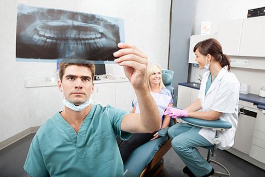 Имплантаты, виниры, люминиры, элайнеры и другие возможности современной стоматологии