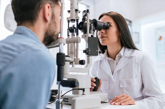 Как лечить увеит? Лечение увеита, глазные капли, лекарственные препараты