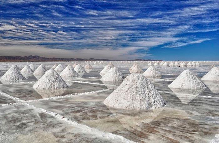 Добыча соли в Боливии