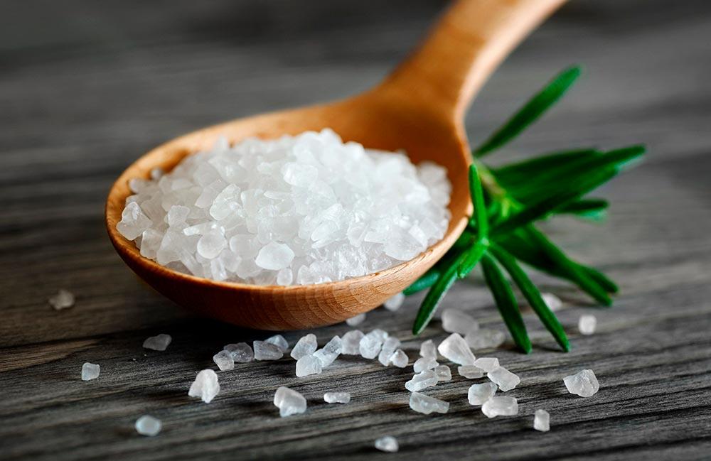 Сколько соли в организме человека