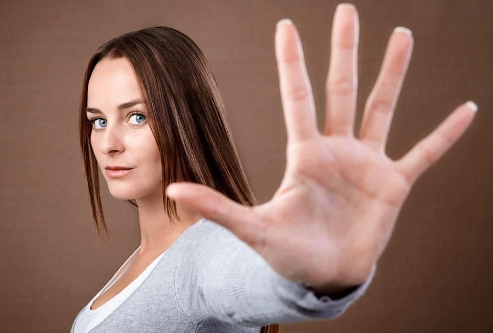 Перестать трогать лицо – одно из важнейших правил по профилактике коронавирусной и прочих видов инфекций от ВОЗ.